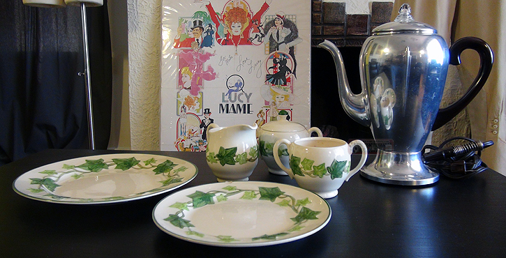Lot 59 Original Set Of Kitchenware Props Used In I Love Lucy Estimated At 1 000 2 00 Usd